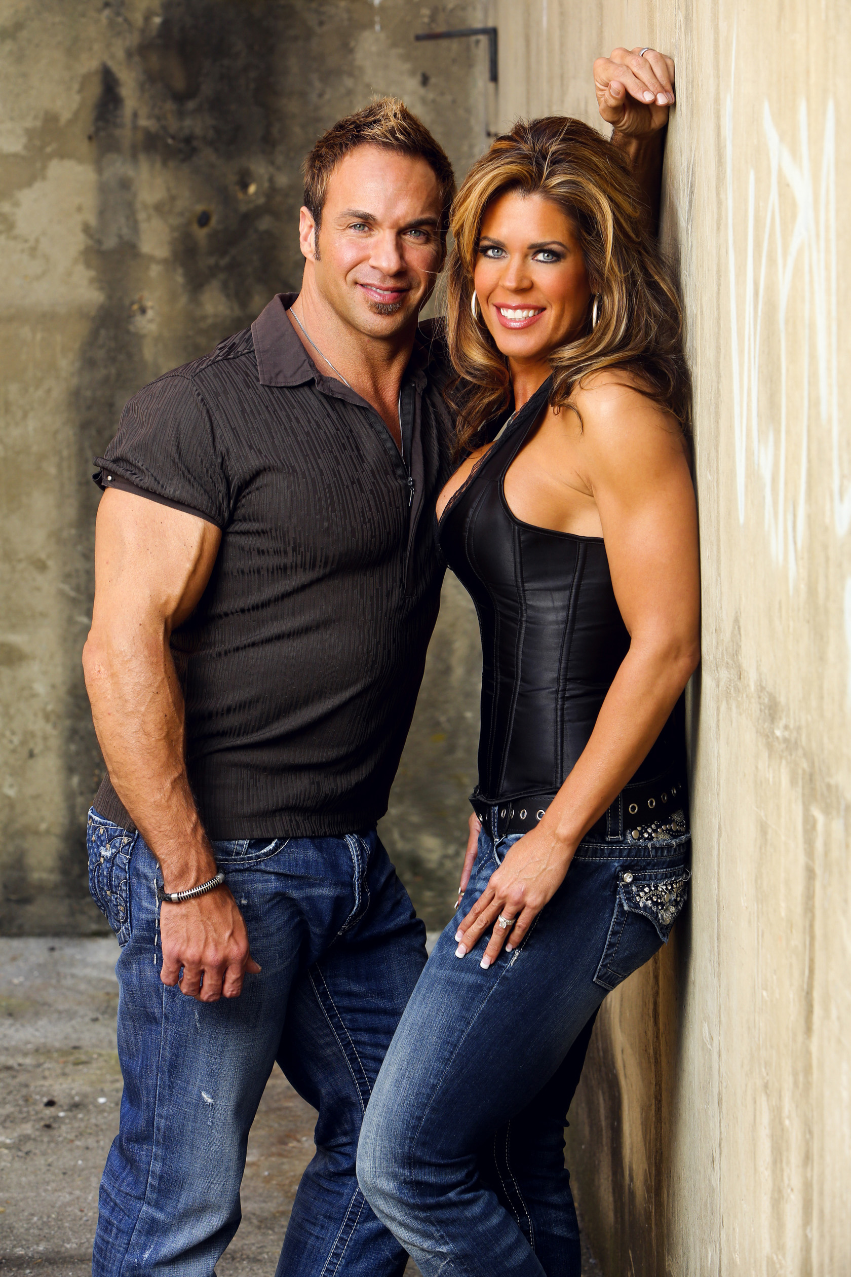 Scott and Michelle Williams. Personal Trainers in Knoxville, Tennessee. Offering nutrition consulting, concentrated work out plans, health coaching, competition preparation, sports training, and family health programs.